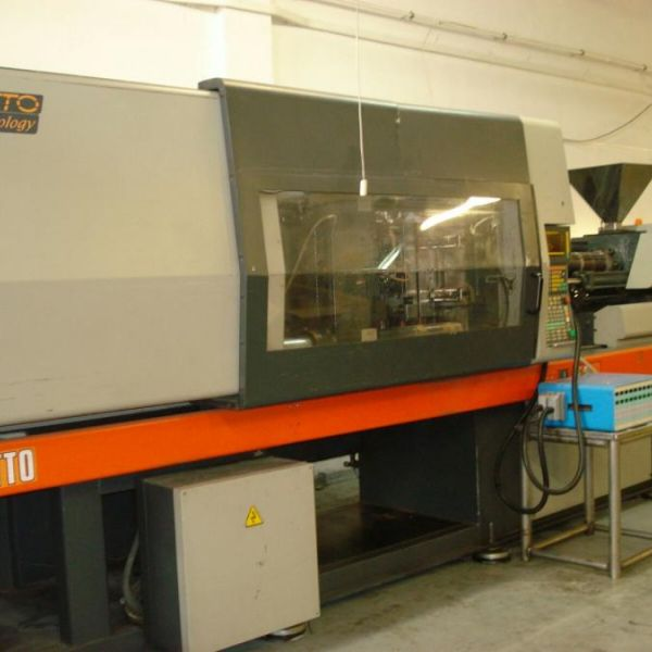 Sandretto machinery 8/270 sef 100 used