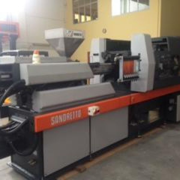 Machine d'injection Sandretto 8/150 sef 100